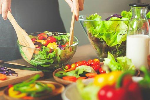 Plats, saladiers et présentation